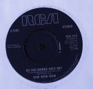 Bow Wow Wow - Do You Wanna Hold Me / What's The Time (Hey) - 7""